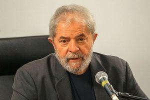 Procurador diz que Lula é 'comandante máximo do esquema de corrupção'