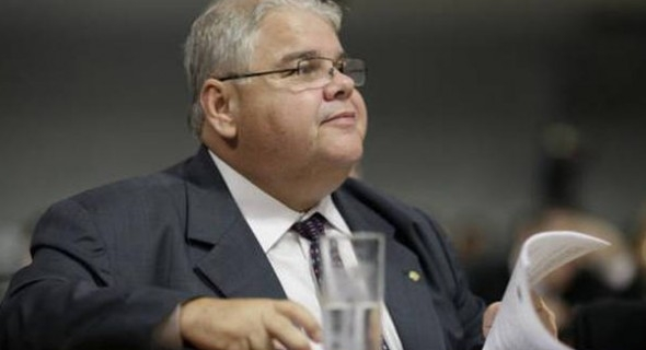 Em Brasília, temos muitos paladinos da moralidade, ironiza Lúciogoo